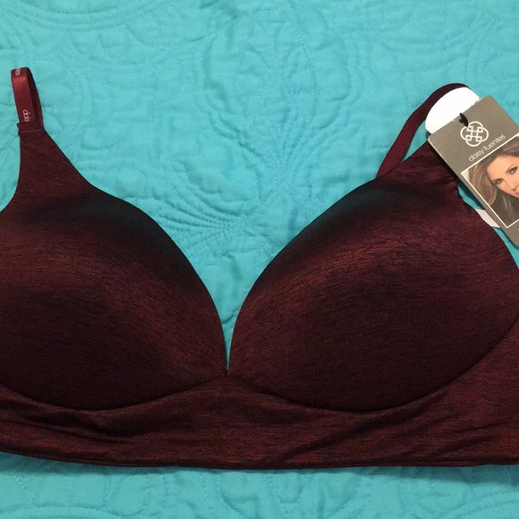 8b78f692a8c CLEARANCE NWT Daisy Fuentes long line wireless bra